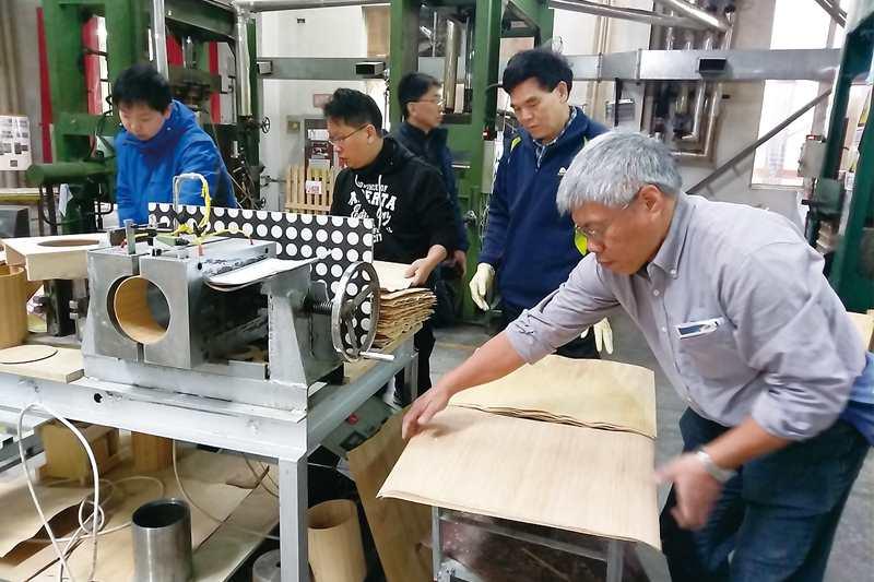 工研院的無甲醛環保接著劑是全球唯一通過曲木測試的無甲醛材料,在國際市場上的具有強大競爭力。