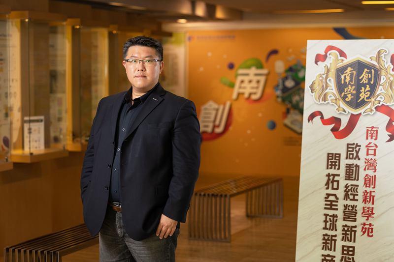 臺灣微軟專家技術部及微軟新創加速器總經理胡德民。
