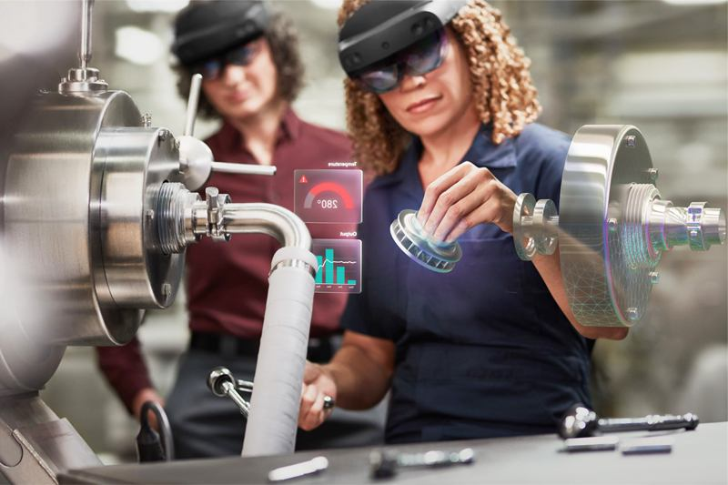 Hololens 2的技術重點是在眼鏡之後的虛擬空間,你能如何運用最新的科技來展現價值,你能看到什麼運用商機,那才是一大學問。(微軟提供)